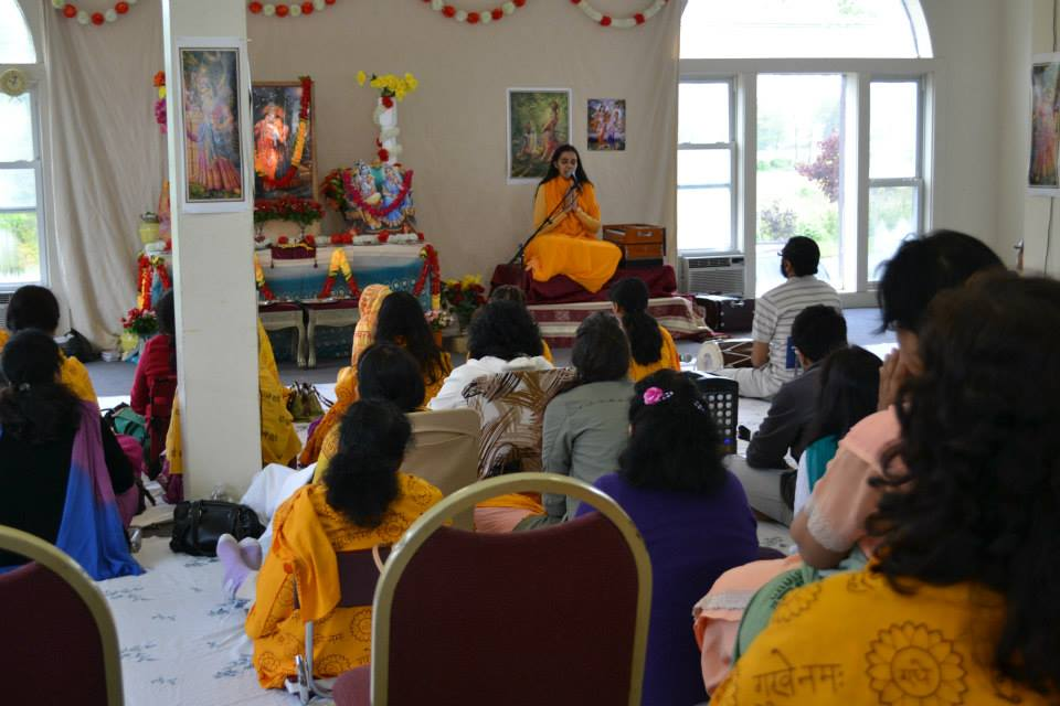 radha-govind-dham-new-york-retreat-2013-12