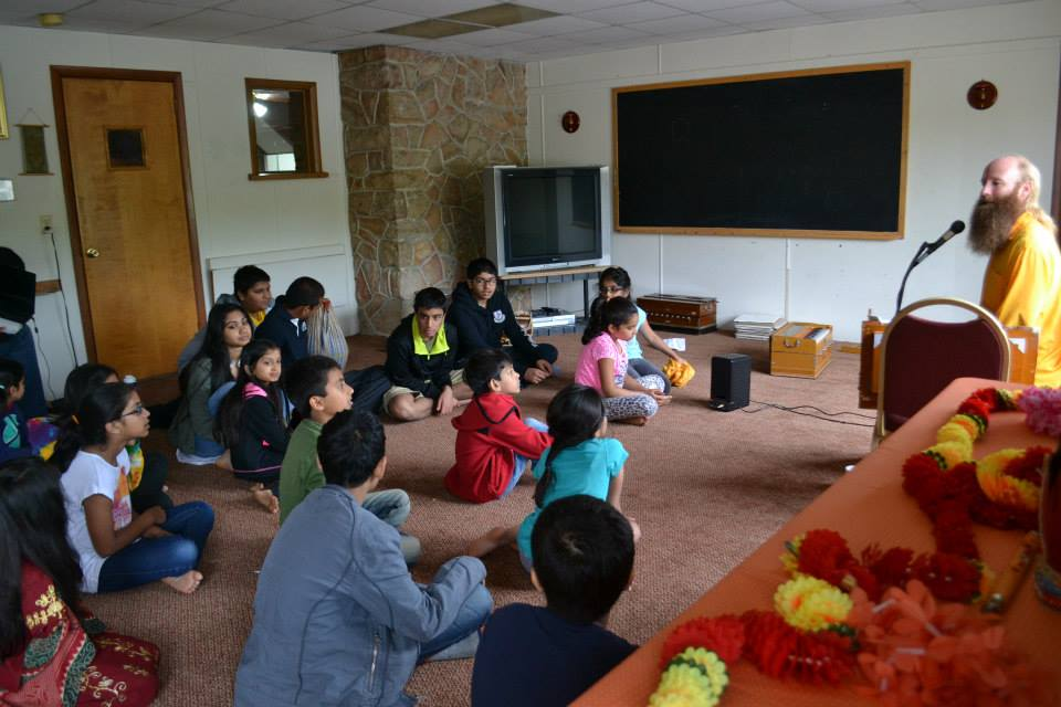 radha-govind-dham-new-york-retreat-2013-14