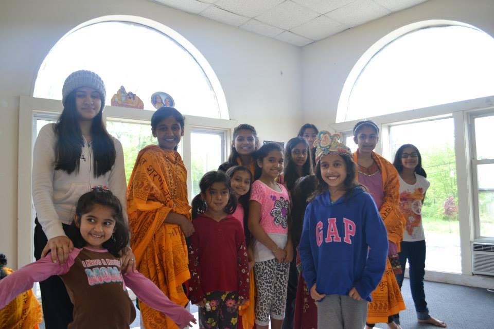 radha-govind-dham-new-york-retreat-2013-24