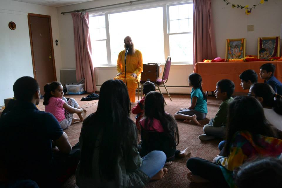 radha-govind-dham-new-york-retreat-2013-4