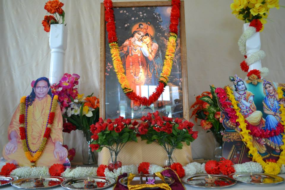 radha-govind-dham-new-york-retreat-2013-5