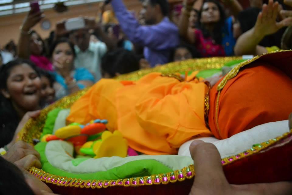 krishna-janmashtami-radha-govind-dham-5