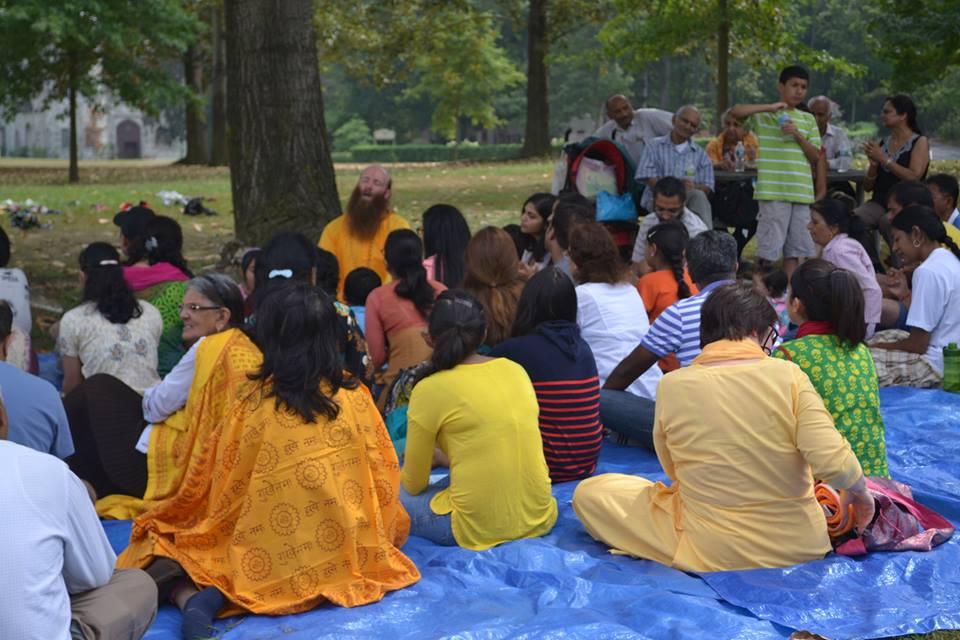 radha-govind-dham-new-york-picnic-4