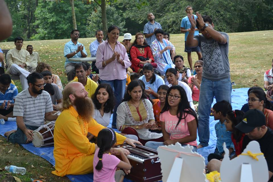 radha-govind-dham-new-york-picnic-7